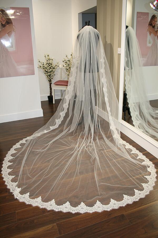Fiona Bridal Veil