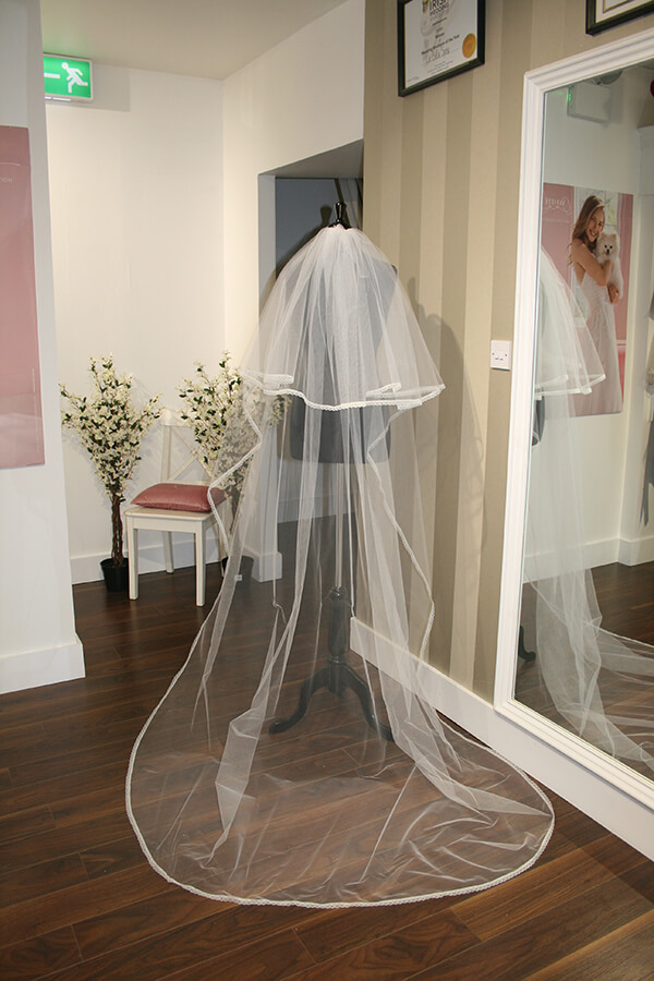 Emma - Save the Date Veil